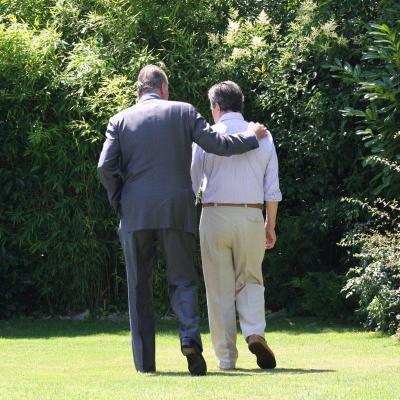 Los Reyes visitan al ex-presidente Adolfo Suárez