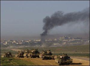 Los tanques israelies siguen castigando Gaza.